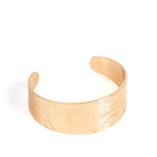 Coolly Curved Gold